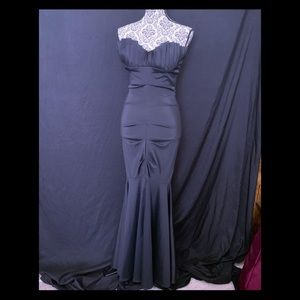 Black Strapless KNOCKOUT Chic Mermaid Gown Size 6